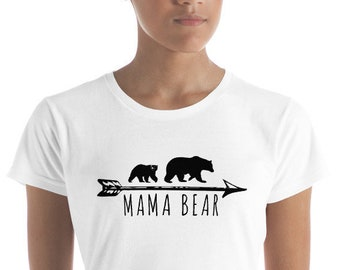 Mama Bear And One Cub - Mom Of One - Pregnancy Reveal - Women's short sleeve t-shirt