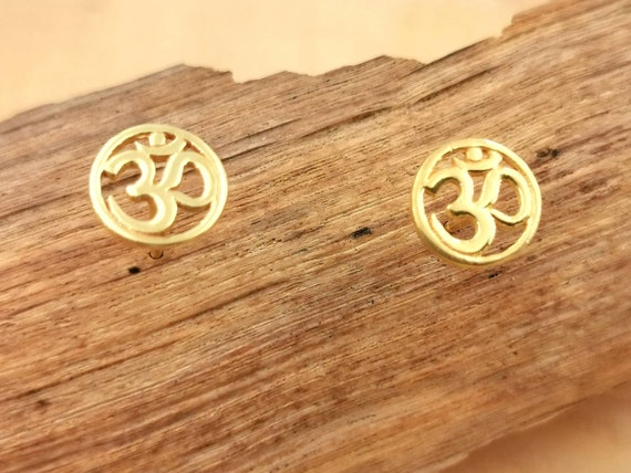 Circular Om Studs Earrings 18k Gold Plated 925 Silver