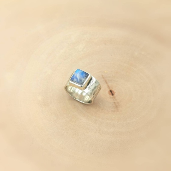 Hammered 925 Silver Ring with Rainbow Moonstone Square, Wide Silver Band with Stone, Unisex Ring