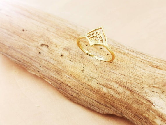 Elegant Boho Brass Ring with Oriental Pattern, Golden Dainty Ring