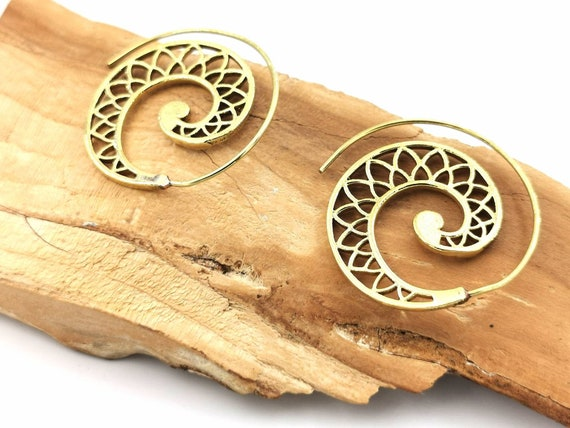 Boho Spiral Earrings Brass, Classic Flower Petal Pattern