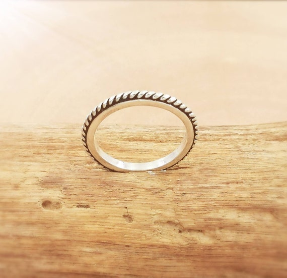 Simple Stackable 925 Silver Ring with Braid Pattern