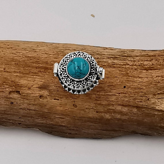 Roman Poison Ring 925 Silver with Stone, Ring with Round Secret Chamber, Locket Ring