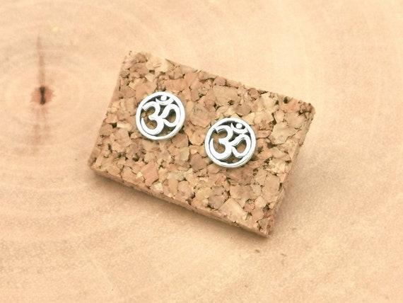 925 Silver Circular Om Mantra Stud Earrings