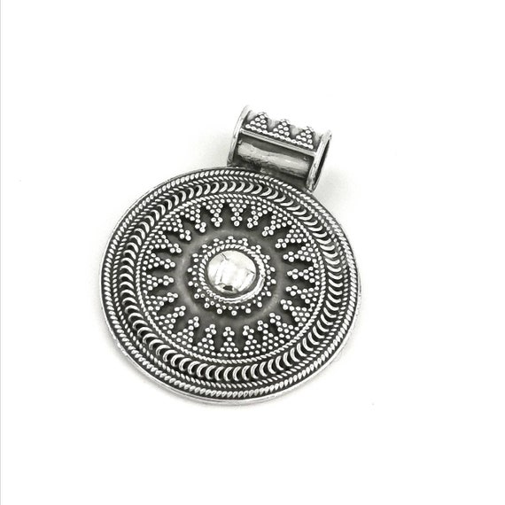 Vintage Tribal Boho 925 Silver Pendant with Chain, Circular Boho Pendant, Vintage Circular Pendant