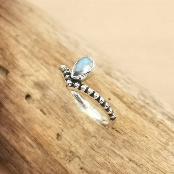 V Shape Boho Ring 925 Silver with Drop Rainbow Moonstone/Amethyst and Ball Pattern