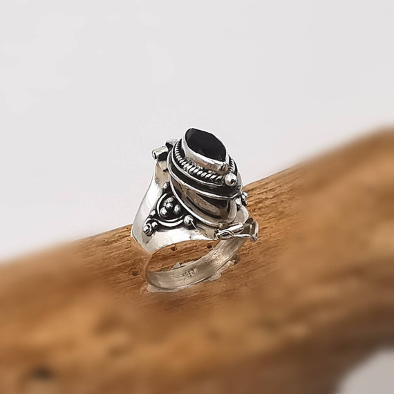 Roman Poison Ring 925 Silver with Stone, Ring with Secret Chamber, Small Poison Ring