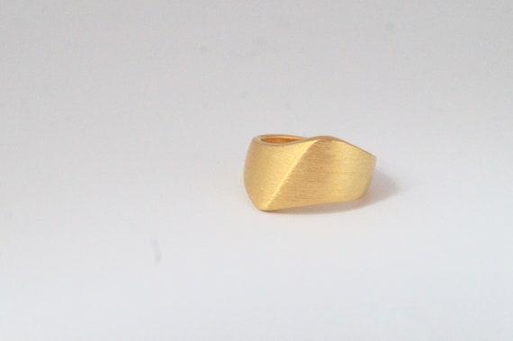 Golden Wave Ring  .          Gold /Silver,        Matte /Scratched