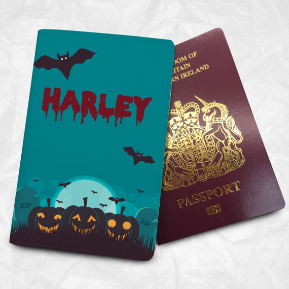 Halloween Personalised Name Black CatsFaux Leather Passport Cover /& Tag