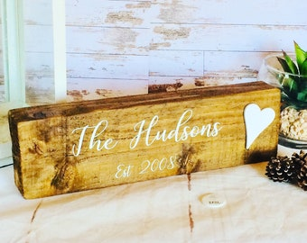 Personalised family sign, rustic family wood sign, family gift, rustic home decor, reclaimed wood plaque, personalised family name sign