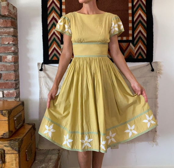 1950s Vintage Yellow Vicky Vaughn Full Skirt Party