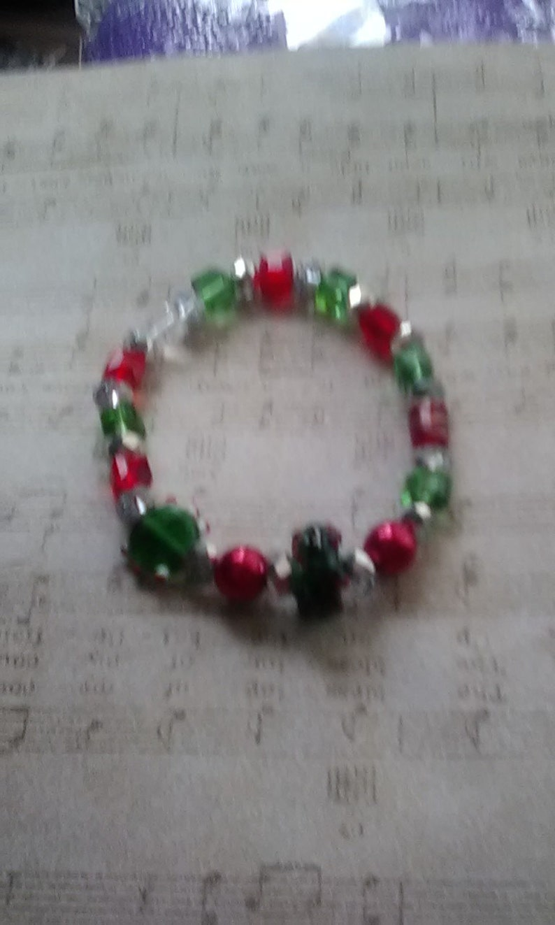 44dc114df9135 Christmas Wreath Glass and Crystal Bracelet, Christmas Bracelet, Glass  Christmas Bracelet, Crystal Christmas Bracelet