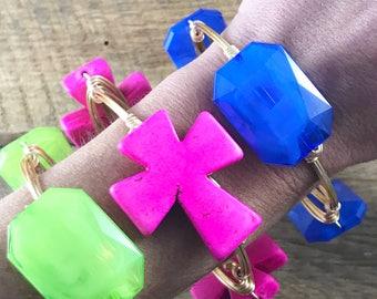 Blue Acrylic Wire Wrap Bangle Bracelet, Blue Bead Bangle, Bourbon and Boweties Inspired, Blue Bangle, Florida Bangle, Kentucky Bangle,