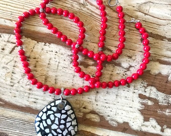 Black and White Pendant Necklace, Red Beaded Necklace, Red and Black Necklace, Statement Necklace, UGA Necklace