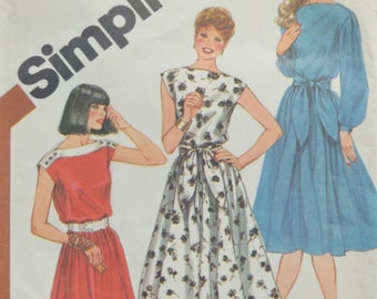 Vintage Sewing Pattern Simplicity 5325  Dress and Sash 1980's
