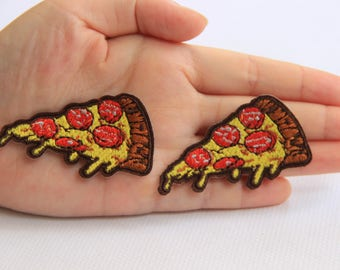 2 Pieces Pizza Embroidery Iron On Applique Patch,Embroideried Patch Supplies for Coat,T-Shirt,Jeans,Decorative Iron on Patches