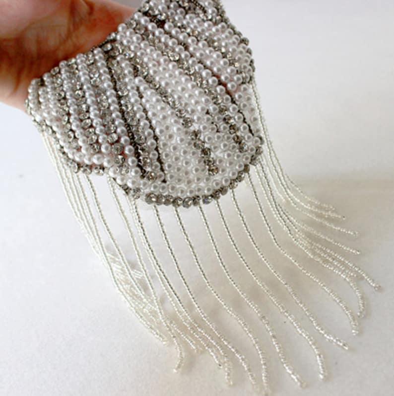 A Pair of Pearl and Crystal Tassels Epaulet,Handmade Shoulder Pad,Chains Punk Shoulder Decoration Epaulets,Shoulder Embellishment,Epaulets