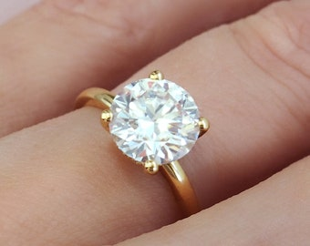 Ready to Ship . 2.6 carat Round Moissanite Engagement Ring . D color Round Moissanite Ring . Gallery Detail . 18k Yellow Gold
