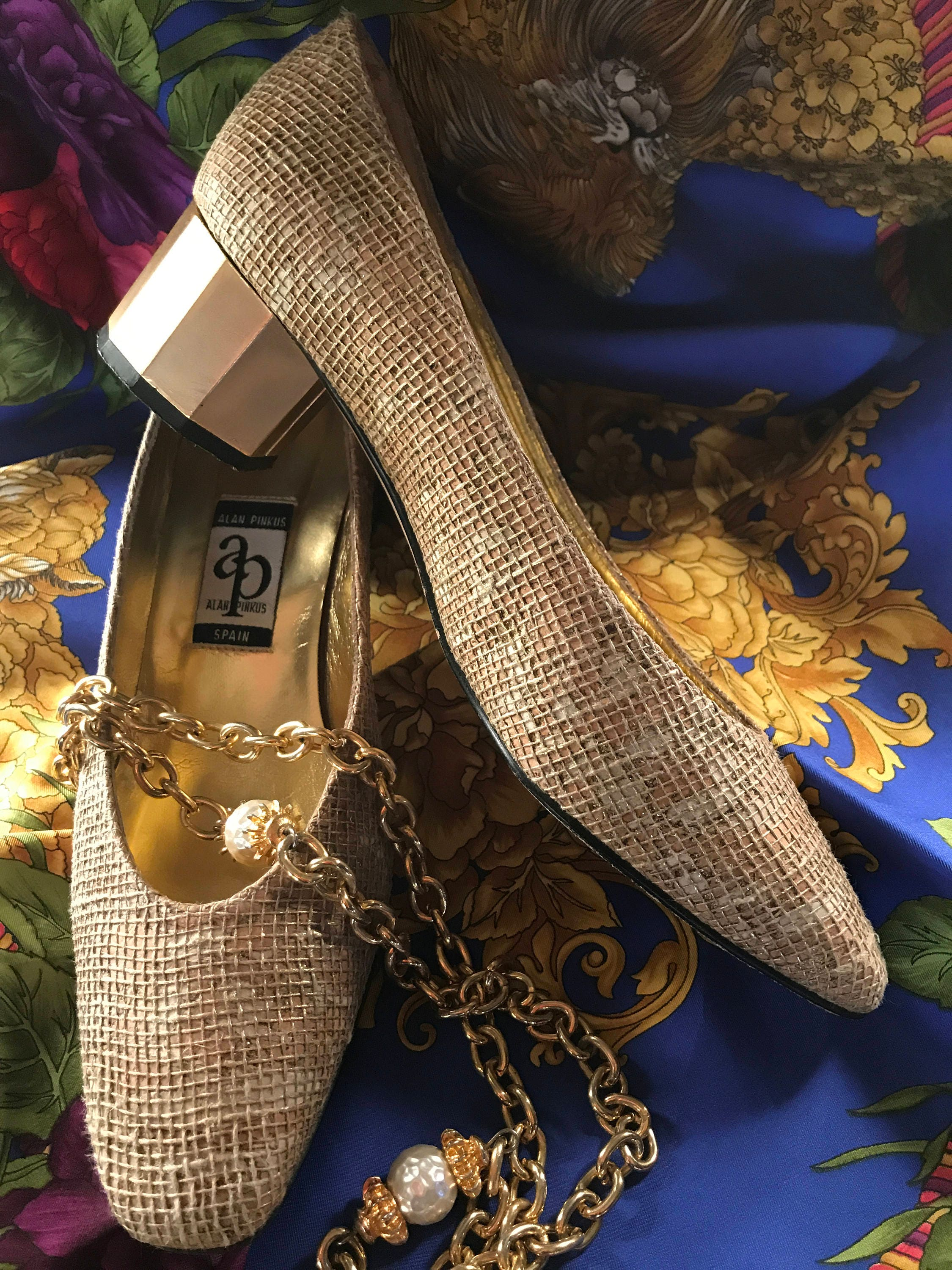 ALAN PINKUS Gold Vintage 80's Women's Richly Textured Court Shoes, in Size AU 7.5C, Made in Shoes, Spain 8ebe2e