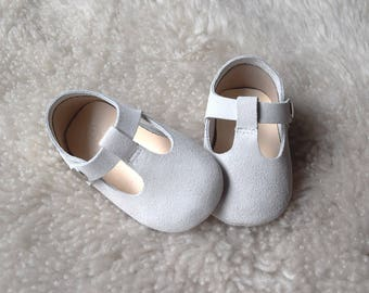 cf7f393e35616 Mauve Baby Girl Shoes for Newborn to 6M Leather Baby   Etsy