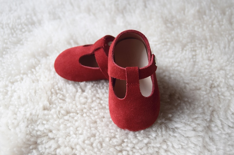 05f340d3840 Red Baby Shoes, Baby Moccasins Girl, Leather Baby Shoes, Infant Booties,  Newborn Crib Shoes, Baby Shower Gift, Baby Girl Shoes
