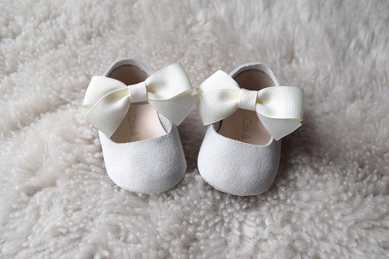 1c058263a9eb7 Off White Leather Baby Girl Shoes with Bow, Baptism Shoes, Baby Moccasins,  Christening Shoes, Baby Shower Gift, Flower Girl Shoes