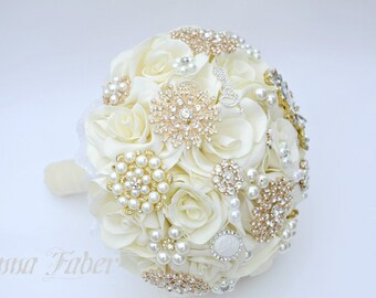 Ivory and Gold Wedding Bouquet, Gold Brooch Bouquet, Ivory Bridal Bouquet, Classic heirloom broach bouquet, Gold brooch,