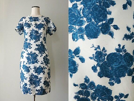 50er 60er jahre kleid wei mit blauen rosen m etsy. Black Bedroom Furniture Sets. Home Design Ideas