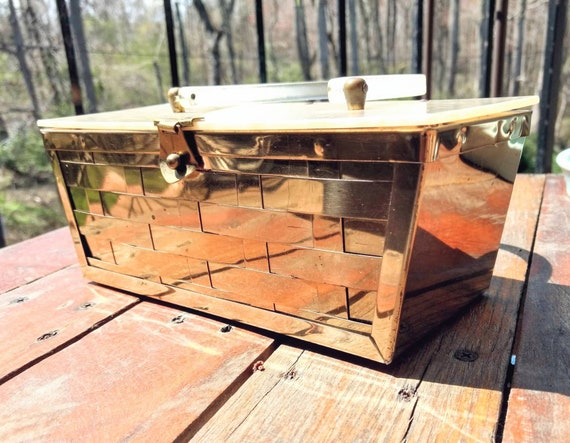 1950's Gold Basket Design Lucite Purse