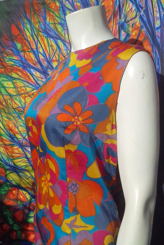 Vintage 1960s Psychedelic Flower Power Dress