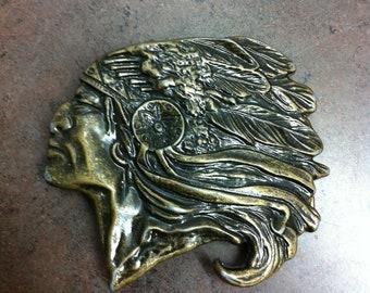 En laiton vieilli - Native American Indian - boucle de ceinture boucle -  tête d Indien avec coiffe - boucle Western e4ab6c73187