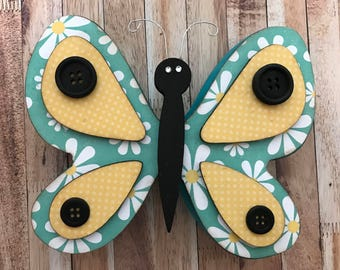 """Spring Butterfly - May Interchangeable """"O"""" Wood Decor"""