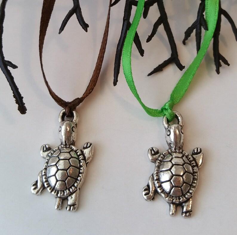 10 pc Sea Turtle Party Favor Necklaces