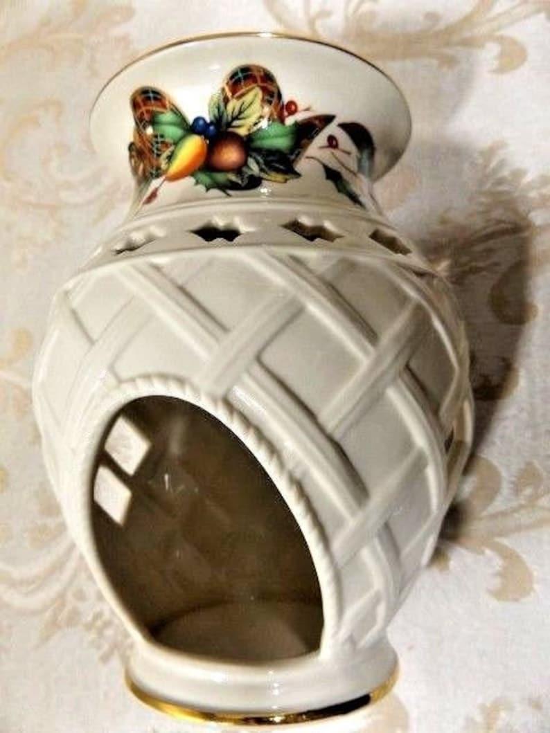 Lenox Christmas  HolidayTartan Candle Holder Warmer Pierced Porcelain Thatch /& Holly Design