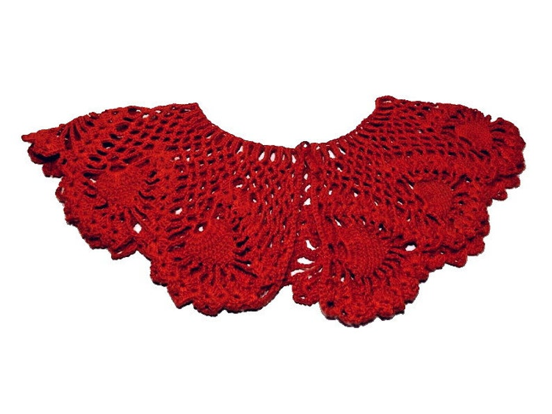 Vintage Hand Crocheted Women/'s Christmas Red Lace Collar Pine Cone Crochet Pattern