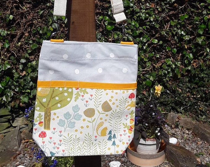 Teacher Bag Wild Wood with a choice of polka dot fabric 3 or 6 pockets Crossbody Bag PPE sanitiser mask classroom supplies Teacher gift