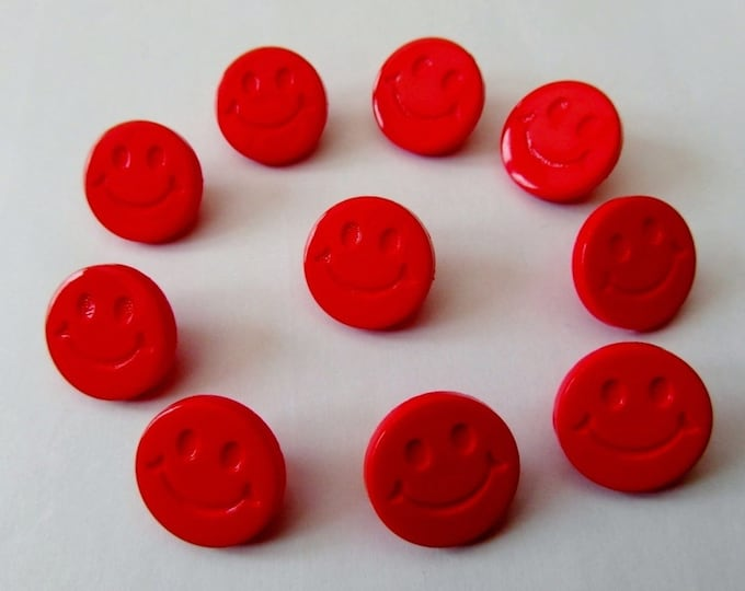 Smiley Face Red Shank Button size 24