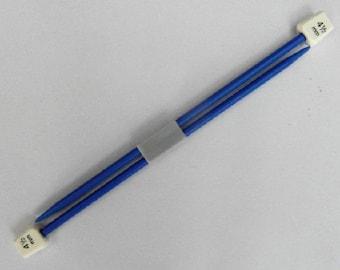 Childrens Knitting Needles size Plastic 4.5mm