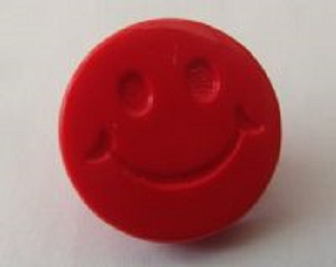 Buttons Smiley Face Red Shank Button x 10 Pack of 10 Suitable for childrens knitwear size Ligne 24 15mm