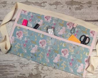 Waterproof fabric waist apron, Flowered, Teacher Apron, 3 pockets, Outdoor apron, Gardening Apron, Waist apron,  NOT PVC, Wipeable apron