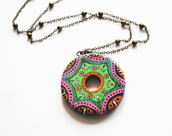 Necklace round bamboo handpainted green and pink mandala