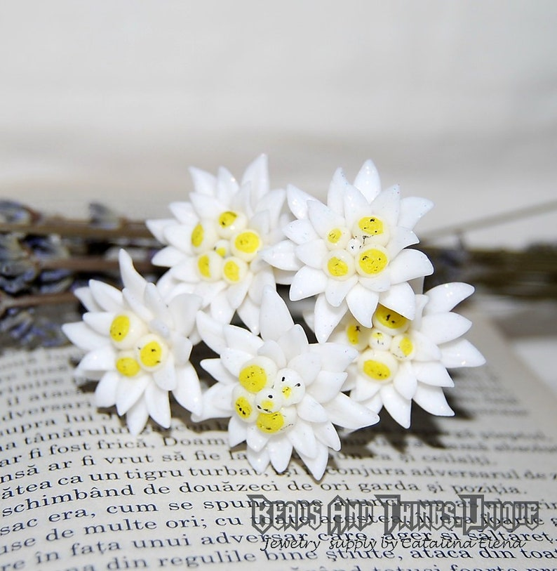 Edelweiss flower with wire rod for jewelry or wedding tiaras and  headdresses, miniature edelweiss for wreath or decorations, polymer clay