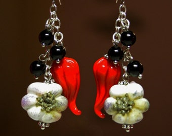 Handmade lampwork garlic and hot peppers earrrings, glass earrings,  lampwork earrings, glass vegetables earrings, artisan glass