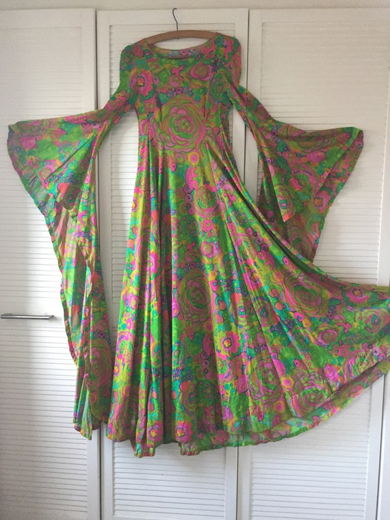 Amazing Psychedelic 60s/70s Medieval Dress with Ep
