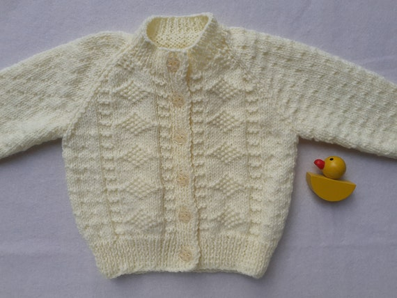 NEW ACRYLIC WOOL 6-12 MONTHS PALE LEMON CHILDREN/'S HAND KNITTED MITTENS