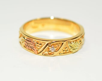 Diamond .06ct 10kt Yellow Gold Black Hills Leaf Vine Nature Men's Band Ring
