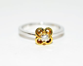 Diamond .25ct 18kt White & Yellow Gold Solitaire Flower Engagement Women's Ring