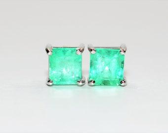 Colombian Emerald 2tcw 14kt White Gold Solitaire Stud Women's Earrings