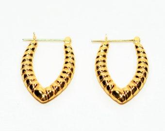 14kt Yellow Gold 18.50mm Elongated Hoop Textured Women's Earrings