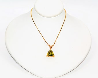 Madagascar Sphene 3.81ct 14kt Yellow Gold Solitaire Pendant Women's Necklace